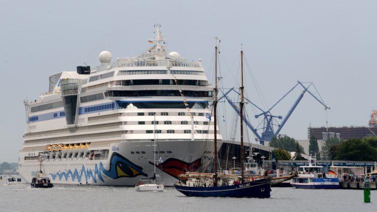 AIDA Cruises grüßt mit zwei AIDA Schiffen die Hanse Sail 2017