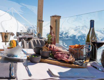 Wedelhütte lädt zu Genuss-Stammtischen auf die Gipfel der Skiregion Hochzillertal