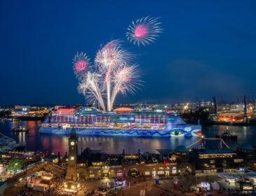 Großes AIDA Feuerwerk begeistert zum Hafengeburtstag