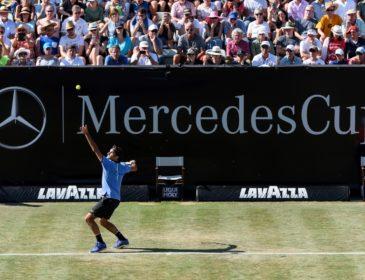 MercedesCup 2018: Roger Federer schlägt in Stuttgart auf