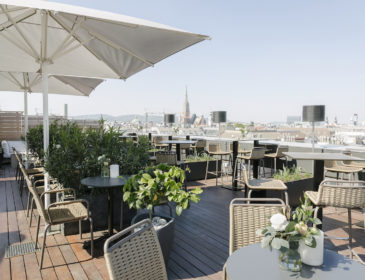 Made in Austria: The Ritz-Carlton, Vienna lanciert neues Konzept für die Atmosphere Rooftop Bar