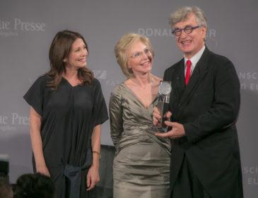 """Wim Wenders erhält """"Menschen in Europe Kunst-Award"""""""