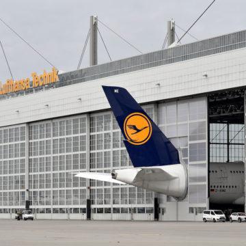 Maßanfertigung für den Riesen-Airbus A380 der Lufthansa am Münchner Flughafen