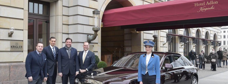 Rolls-Royce Motor Cars stattet Berliner Luxushotel ADLON mit einem GHOST aus