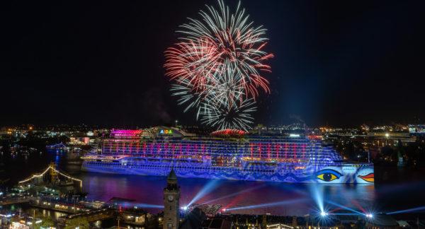 Großes AIDA Feuerwerk zum Hafengeburtstag in Hamburg