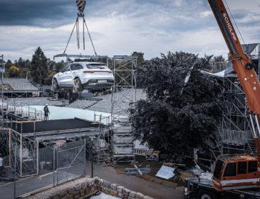 Fliegender Auftritt des EQC beim diesjährigen MercedesCup
