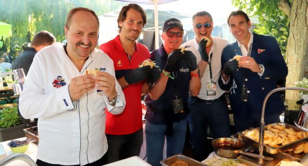 Drei Männer am Grill: Johann Lafer, Tommy Haas und Franz Klammer beim MercedesCup