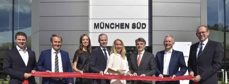 Grand Opening des größten Autohauses von Jaguar Land Rover weltweit in München