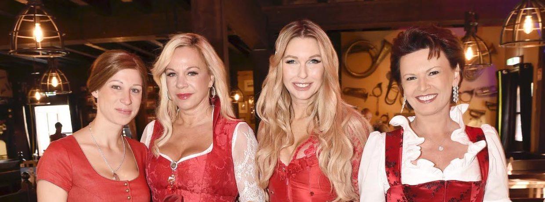 Prominente Damen sammeln bei der 2. Red Damen Wiesn in München