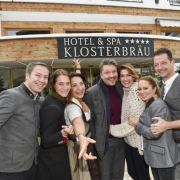 Promi-Pistengaudi im Schnee: Saison-Opening im Hotel Klosterbräu & Spa in Seefeld