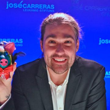 Glücksschwein von Stargeiger David Garrett erzielt 3.011 Euro für die José Carreras Leukämie-Stiftung