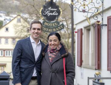 Ähnliche Interessen zweier Stifter – Philipp Lahm zu Gast bei Carmen Würth
