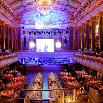 Ball des Weines 2020 in Wiesbaden: Ein Blumenfeuerwerk zum Jubiläum