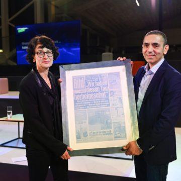 BioNTech-Gründer Özlem Türeci und Uğur Şahin mit Axel Springer Award ausgezeichnet