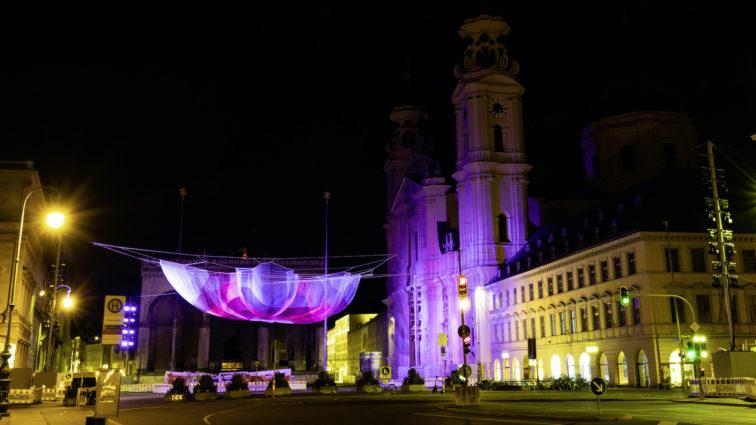 Mercedes-Benz verwandelt den Münchner Odeonsplatz in ein lebendiges Kunsterlebnis