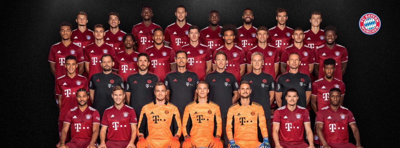 Das offizielle Mannschaftsfoto des FC Bayern 2021/2022